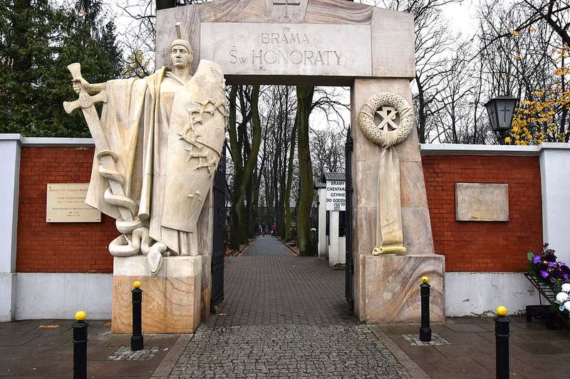 powazki-friedhof-warschau-eingang