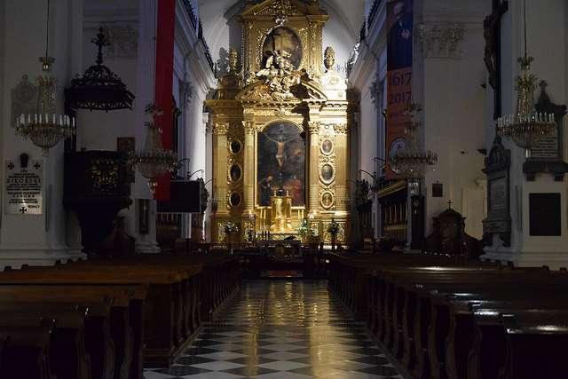 altar-heilig-kreuz-warschau