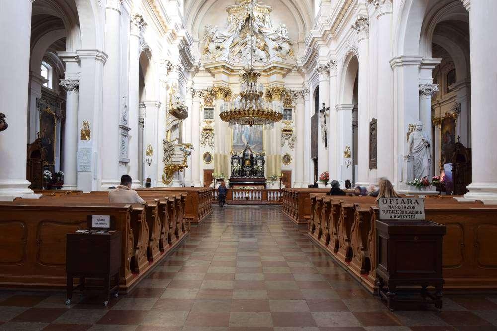 visitantinnen-warschau-innen