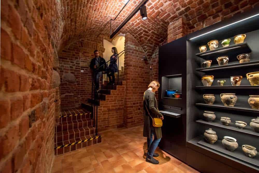 stadtmuseum-warschau-keller