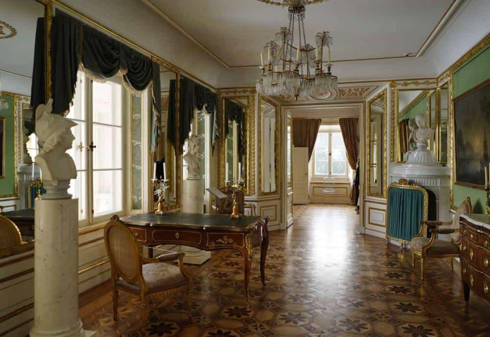 palast-auf-insel-museum-arbeitszimmer